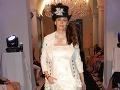 Lenka predviedla zaujímavé svadobné šaty.