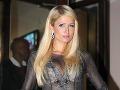 Paris Hilton rada provokuje a miluje luxus.