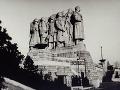 Fiasko komunistov: Na Stalinovom pomníku partizánka
