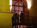 Hostia sa zabávali v priestoroch bratislavského divadla Aréna.
