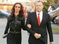 Andrea Heringhová a Boris Kollár čakajú spolu druhé dieťa. Tmavovláska maskuje rastúce bruško pod voľnými šatami.