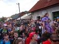 Príchod zabávačov do Čierneho Balogu vyvolal ošiaľ.