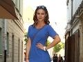 Nela Pocisková zapózovala v modrom outfite.