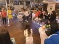 V bare, ktorí mohli diváci kedykoľvek navštíviť, sa konali aj sobotňajšie duely.