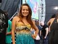 Dominika Mirgová vystúpila taktiež. V zákulisí jej robil spoločnosť aj jej priateľ.