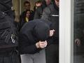Útočníka zo Šale poslali do väzenskej nemocnice, hrozí mu 20-ročný trest
