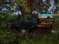Auto plné tínedžerov vpálilo do stromu: Dušan (†17) neprežil, piati zranení!