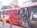 Pozrite si fotky z nehody električiek v Bratislave: Vodič ostáva naďalej v nemocnici