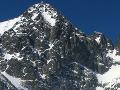 Na vrcholoch Vysokých Tatier trvá malé lavínové nebezpečenstvo