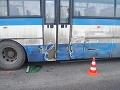 Po zrážke autobusu s