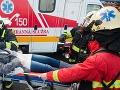 Vážna dopravná nehoda: Pri Nemešanoch sa zrazili štyri osobné autá