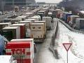 Hromadná nehoda na D1 v smere do Brna zablokovala dopravu na niekoľko hodín