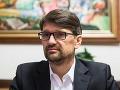 Strach z kotlebovcov v Nitre: Maďarič upokojuje situáciu, máme prieskum, že vyhráme
