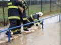 Cesty v okolí Trebišova zalieva voda: Hrozba povodní, prvé uzavreté úseky