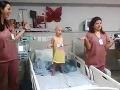Sestričky roztancovali onkologicky choré