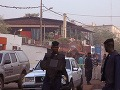 Policajti zatkli dvoch podozrivých zo spoluúčasti na útoku v Mali
