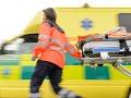 Pri dopravnej nehode pri Prievidzi utrpeli zranenia traja ľudia