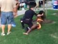 Ďalší rasový konflikt v USA: Policajt sa pustil do detí, radšej dal výpoveď!