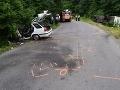 FOTO Vážnej nehody pri Žiari nad Hronom: Pri zrážke auta s autobusom sa zranilo sedem ľudí