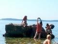 Znechutení dovolekári na Istrii v Chorvátsku: Brali deti na ruky a z pláže utekali kade ľahšie!
