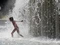 Teplo, teplejšie, najteplejšie: Horúčavy vystúpia v piatok k 40 stupňom