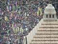 V Japonsku protestovali tisíce