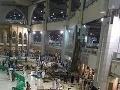 FOTO a VIDEO Krvavá tragédia v mešite: Obrovská rana zabila 87 moslimov!