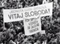 Hodnoty novembra 1989 sa vytrácajú: Štrngali sme za Slovensko plné korupcie a klientelizmu?