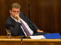 Výbor o odmene pre Bžána nerokoval, opozícia zvolá mimoriadne plénum