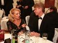 Herečka Zdena Studenková sa počas večera dobre zabávala v spoločnosti českého modelka Roberta Paulata.