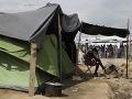 Francúzska polícia bola nekompromisná: Vypratala viacero nepovolených utečeneckých táborov