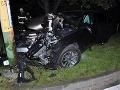 FOTO bizarnej nehody v Žiline: Marek (33) narazil, z vraku odišiel, policajtom vyrazil dych