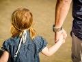 Ruskom otriasa prípad najhoršieho pedofila v histórii: Pestún (37) si z dievčatiek urobil hárem