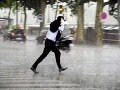 Slováci, pozor! Varovanie platí pre celé územie: Valia sa na nás silné búrky