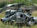 FOTO Čiernohorská armáda zažila dnes drámu: Vrtuľník padol priamo do poľa