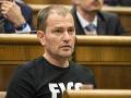 Matovičov útek z parlamentu a vyhrážky smrti: VIDEO Reč tela o ňom prezradila skryté tajomstvo