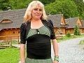 Tri deti, ktoré mala Martinka z Turca z predchádzajúceho vzťahu, skončili v detskom domove. Ona s manželom prišli o strechu nad hlavou. Zimu strávili v stane a neskôr sa presťahovali do maringotky bez elektriny, vody či toalety.