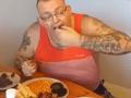 Novopečený otec zverejnil nechutné VIDEO: Kanibalské raňajky, pochúťka z tela jeho ženy!