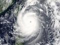 Silný tajfún pripravil na