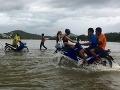 Vietnamom sa prehnala tropická búrka: Vyžiadala si už 29 obetí na životoch