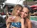 Dara Rolins a jej dcéra Laura trávia dovolenku na Bali.