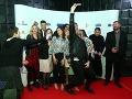 Hlavní predstavitelia a tvorcovia filmu Všetko alebo nič si urobili aj spoločné selfie.