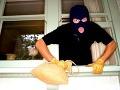 Polícia opísala detaily krádeží nešikovného Poliaka (25): Vyčíňal v St. Ľubovni, skaza za skazou