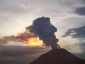 Úrady vydali najvyšší stupeň ohrozenia: Na Aljaške sa opäť ozvala sopka Bogoslof