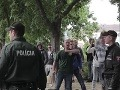 Kotlebov poslanec Mazurek to už poriadne prestrelil! Útok na policajta v Ružomberku