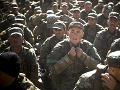 Militanti sa prezliekli za modré prilby: Na Mali zaútočili na základne OSN a Francúzska