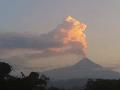 FOTO Aljašská sopka sa prebudila: Stĺp popola je veľkolepý, ale ohrozuje dopravu