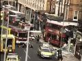 PRÁVE TERAZ Dráma v centre Londýna: Autobus vpálil do obchodu na rušnej ulici