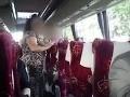 Odporná dohra rozlúčky so slobodou: VIDEO Ženy v autobuse si urobili hanbu pred cestujúcimi