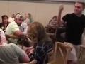 VIDEO Mladík šokoval svoju priateľku aj všetkých hostí v reštaurácii: Absolútne som ťa miloval!